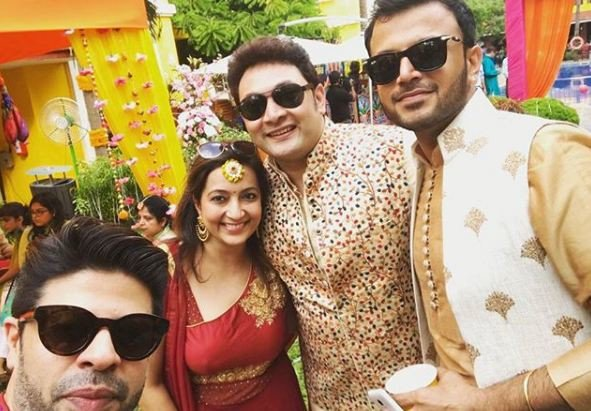 #BhartiKiBaraat: Celebs in their best outfits for Bharti and Haarsh's marriage