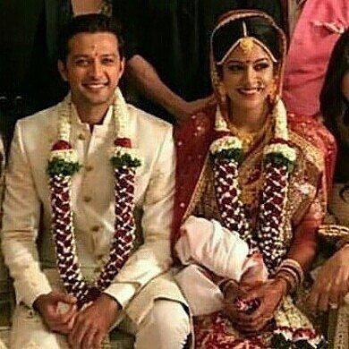Haasil actor Vatsal Seth ties knot with Firangi actress Ishita Dutta at Mumbai's ISKON temple