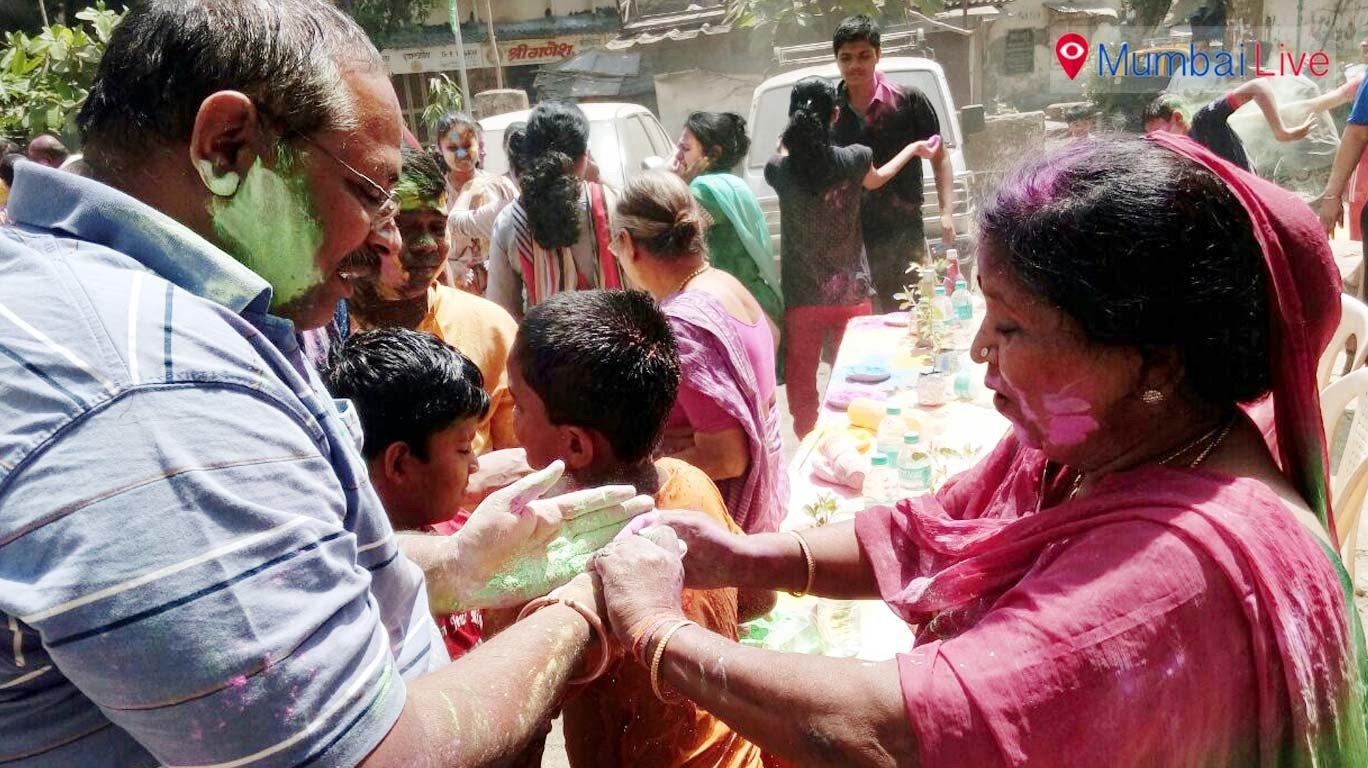 अभ्युदयनगर में मनाई गई इको फ्रेंडली होली