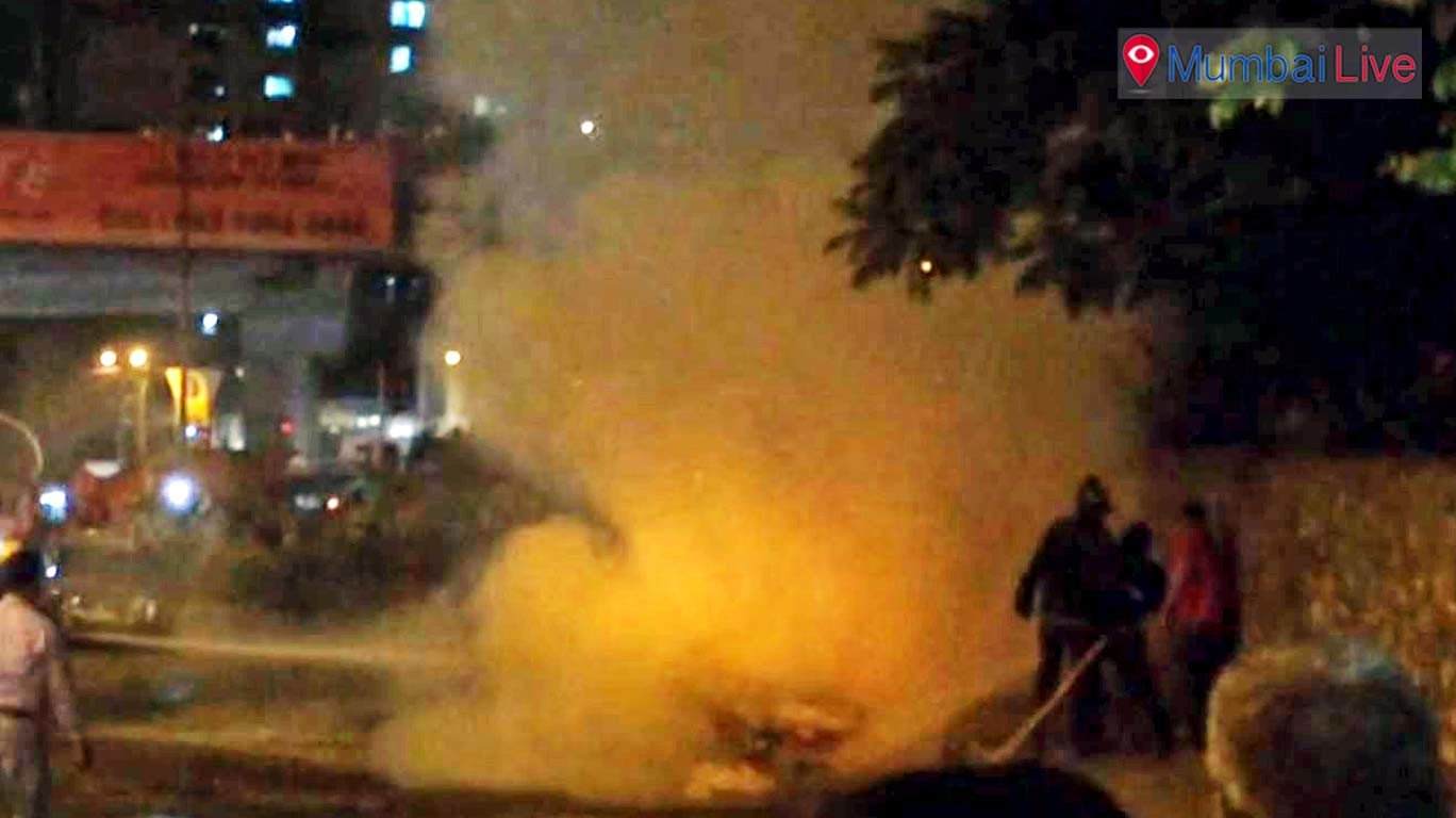 Car catches fire on Eastern Express Highway