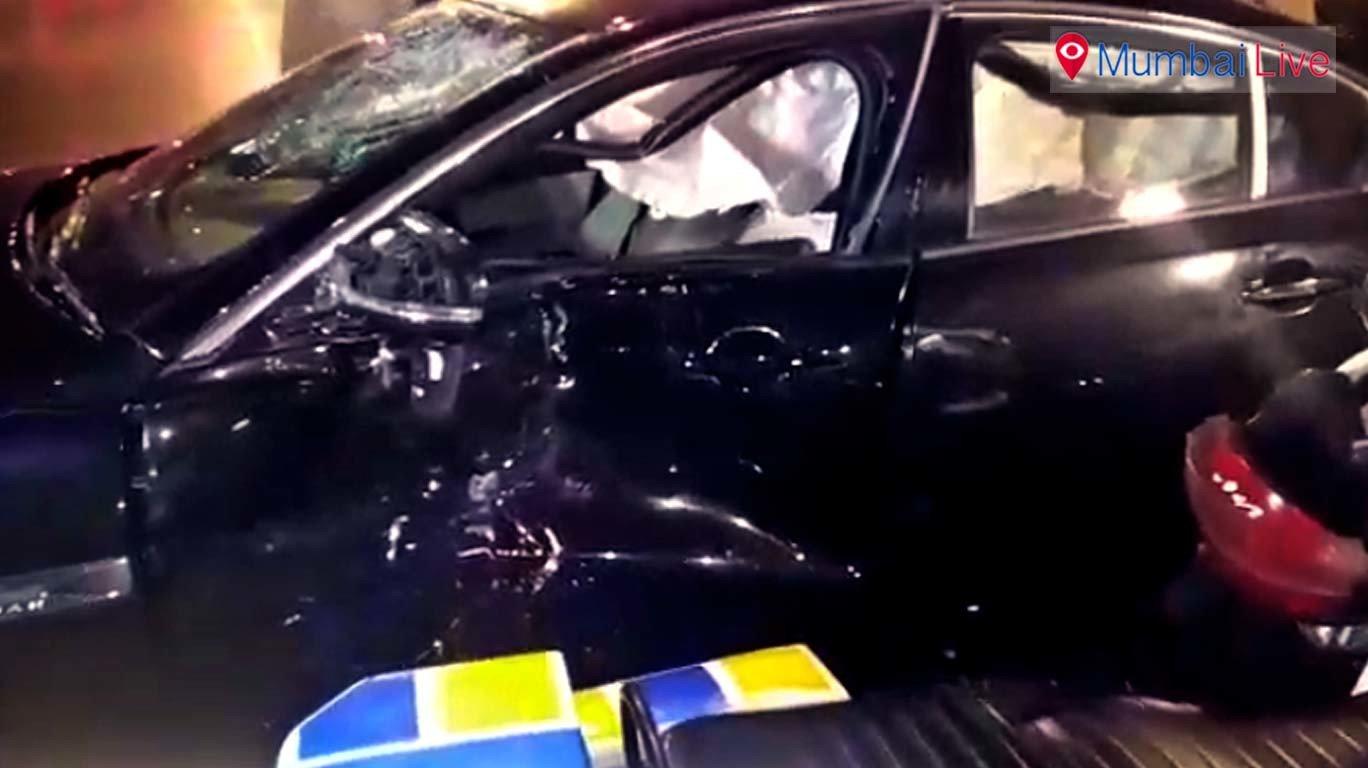 अपघातात जॅग्वारचा चेंदामेंदा, चार जखमी