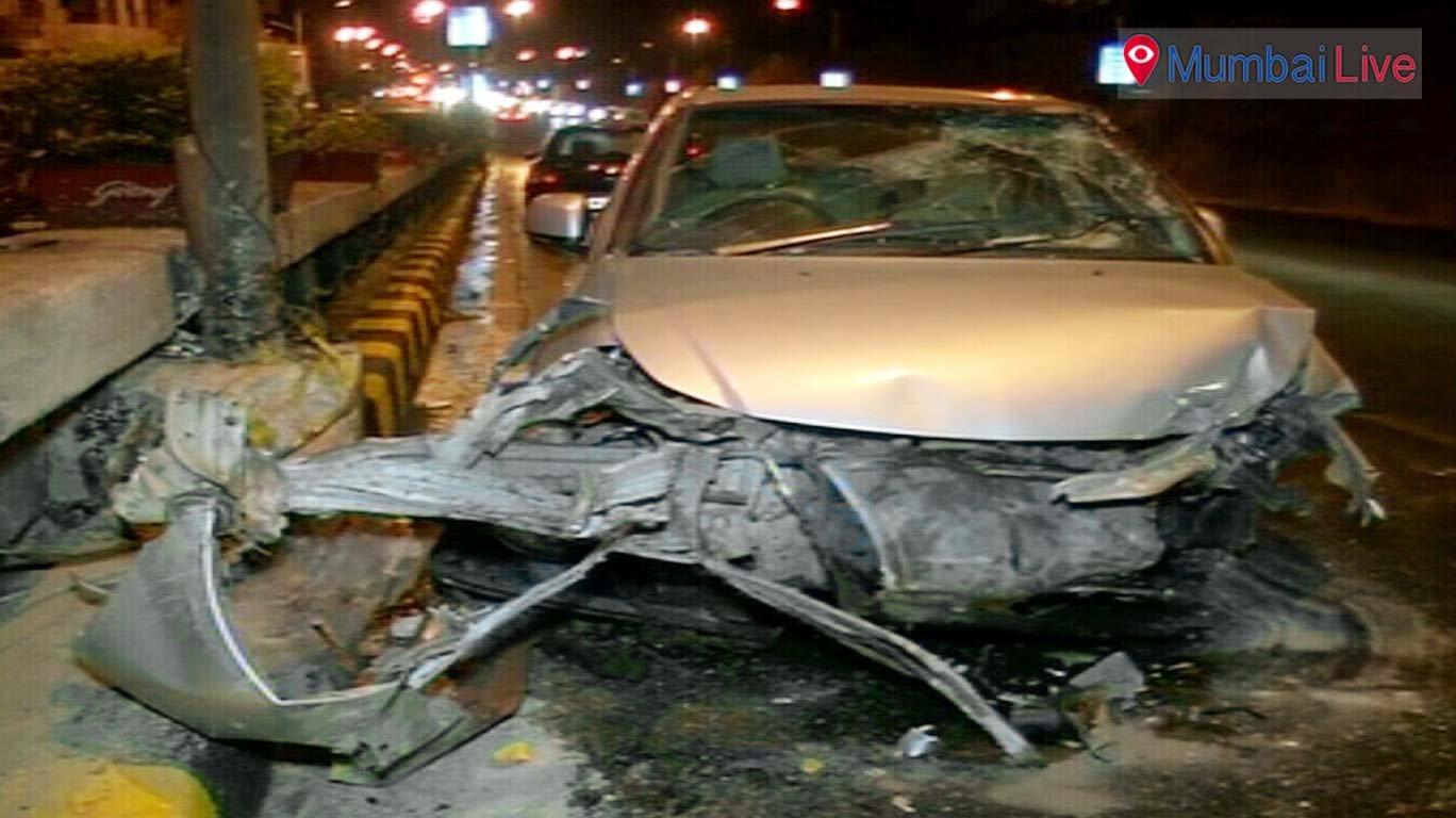 पेडर रोडमधील कार दुर्घटनेत चालक जखमी