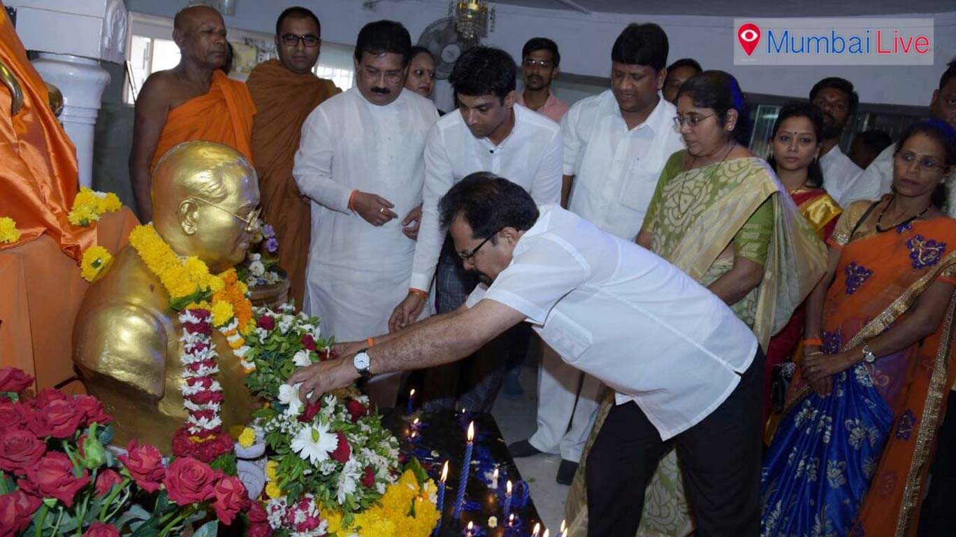 Mumbai's mayor, deputy mayor visit Chaityabhoomi