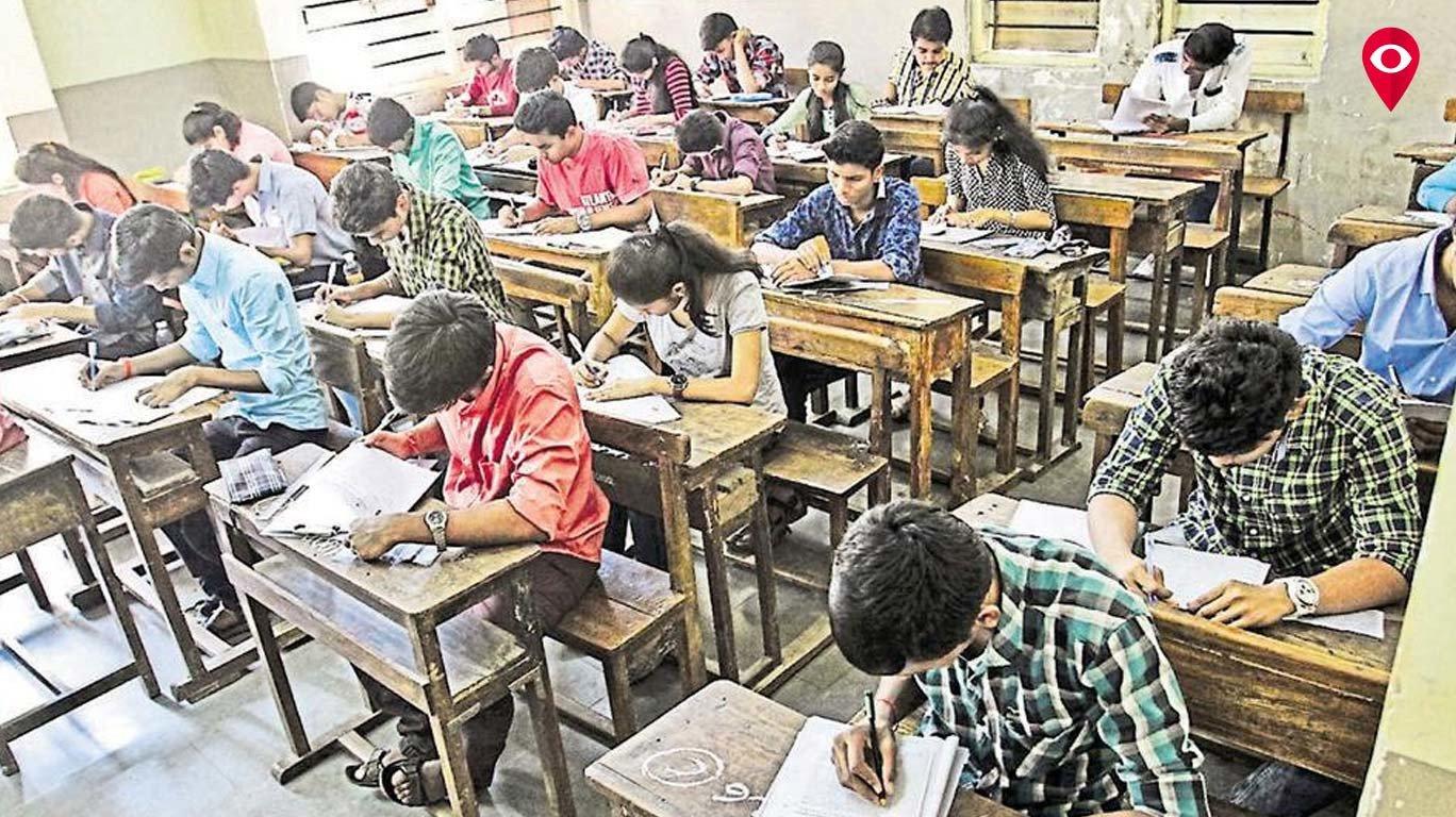 मुंबई लाइव्ह इम्पॅक्टः 'त्या' शिक्षकाची केली बदली