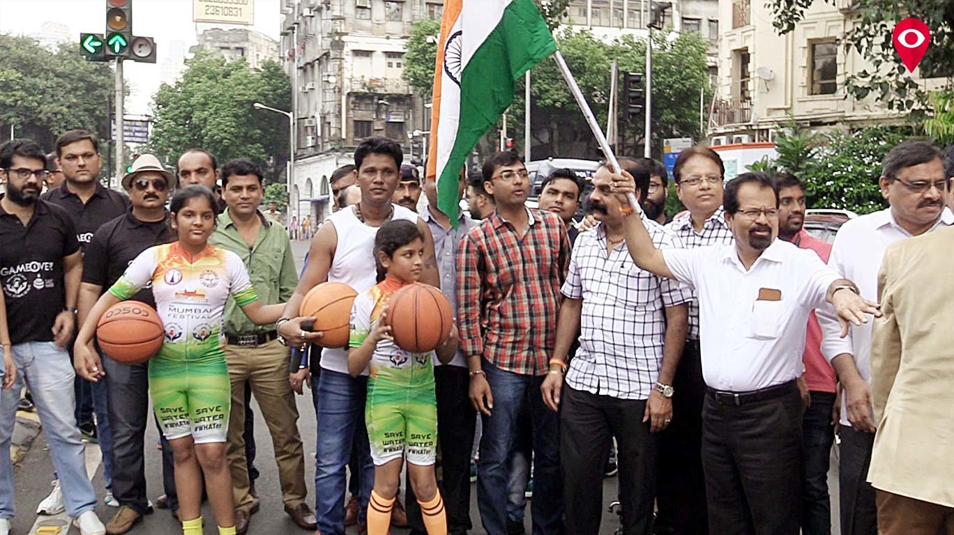 Sisters Vidhi and Saumya establish a world record in skating and basketball dribbling