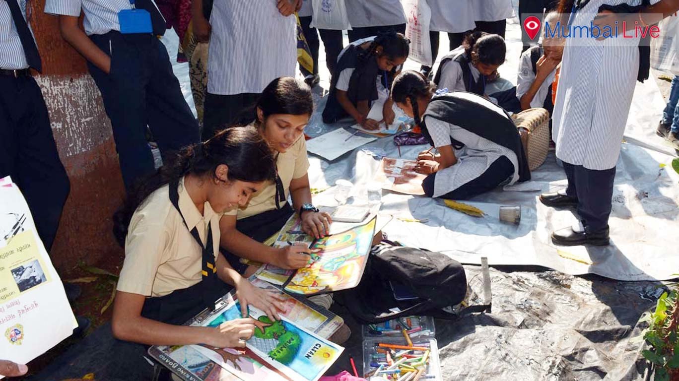 Mayor announces winner of 'Majhi Mumbai' drawing competition