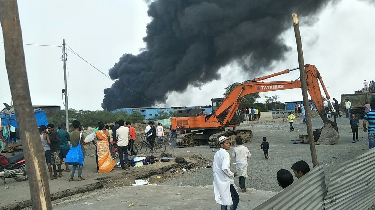 मानखुर्दच्या आगीत भंगाराचे गोदाम जळून खाक