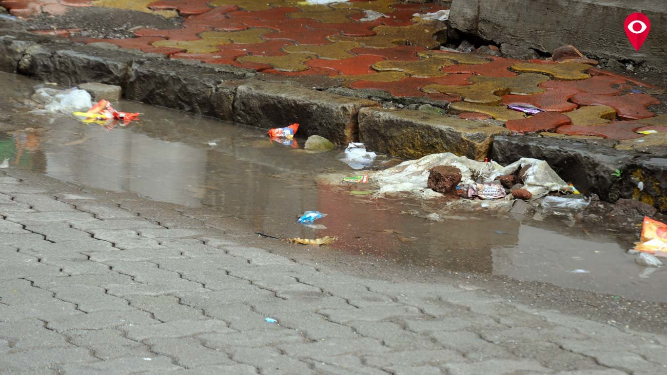 प्लॅस्टिक आवळत आहे मुंबईचा गळा...