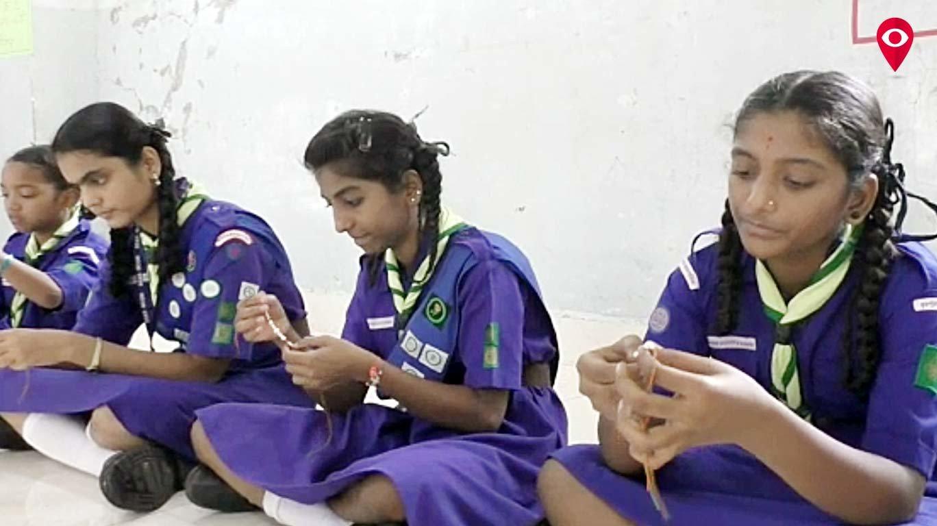 मुलुंडच्या 'गोशाळे'तील विद्यार्थीनींनी जवानांना पाठवल्या राख्या