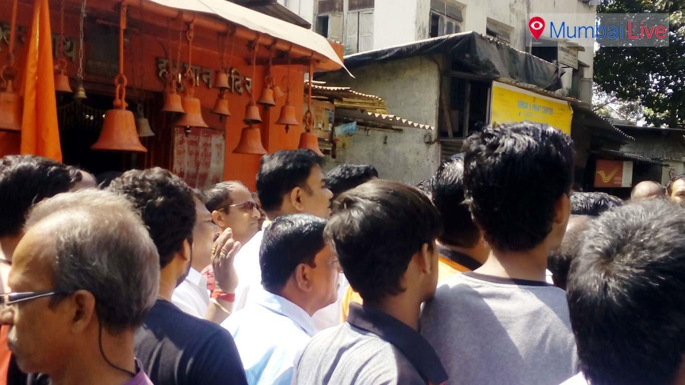 Residents halt civic demolition of Sewri temple