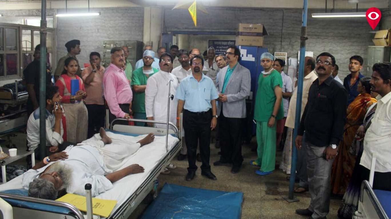 छताला टेकू लावून रुग्णांवर उपचार, सायन हॉस्पिटलची धक्कादायक परिस्थिती