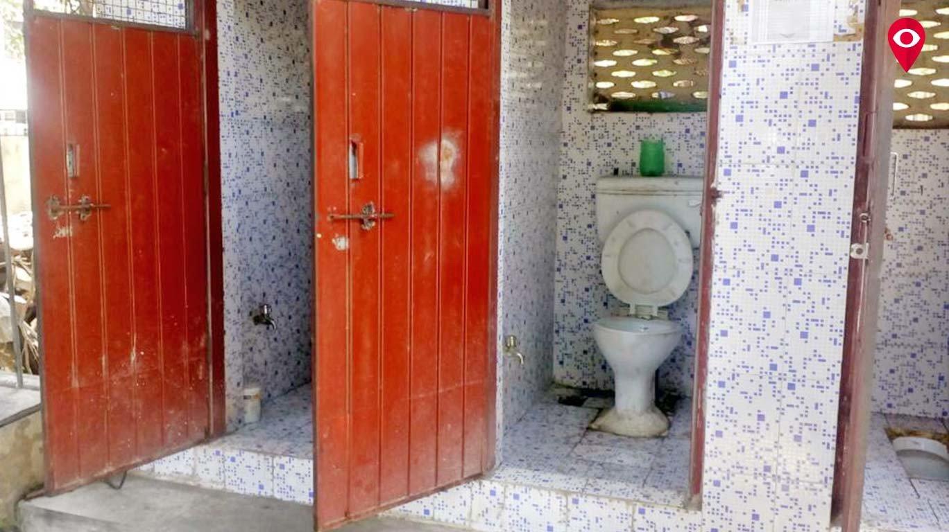 वाद एका टॉयलेटचा...पालिकेत जाऊनही मिटेना!