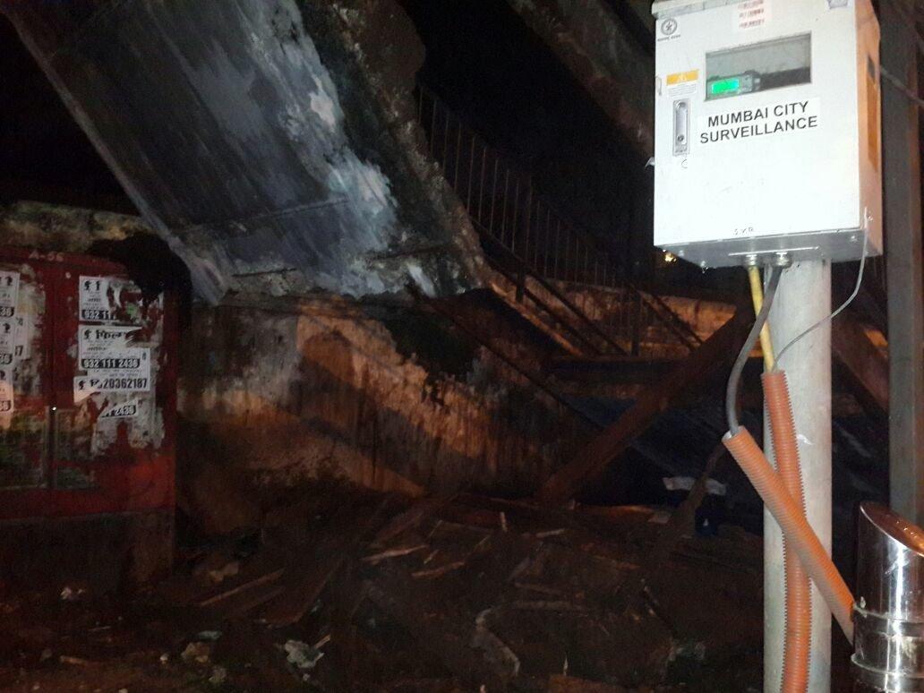 Charni Road Footover bridge collapses, 2 injured