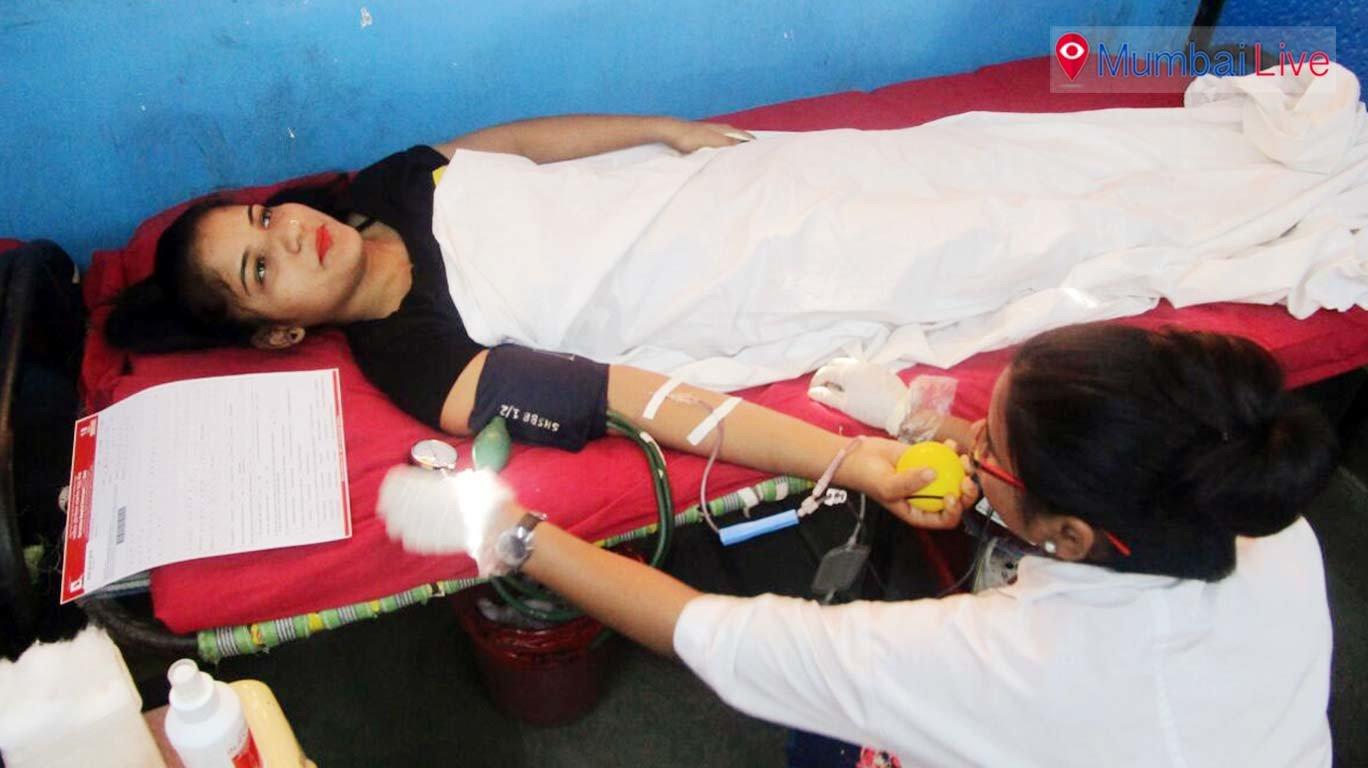 घाटकोपरच्या विद्यानिकेतनमध्ये रक्तदान शिबीर