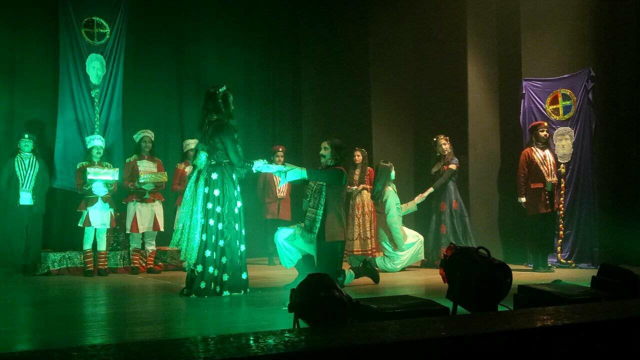 Vogue Theatre organises an inter-school Urdu drama competition
