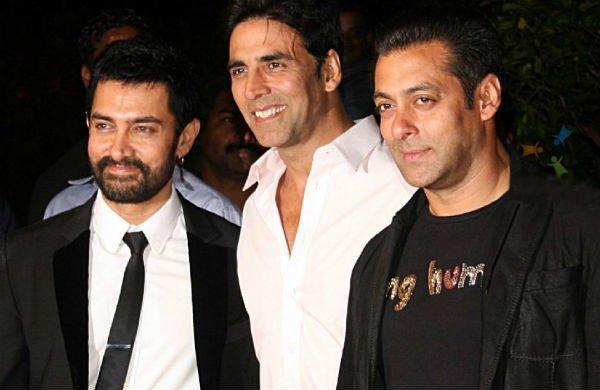 आमिर खान ने हाथ में पैड पकड़ सलमान, शाहरुख और बिग बी को किया चैलेंज!