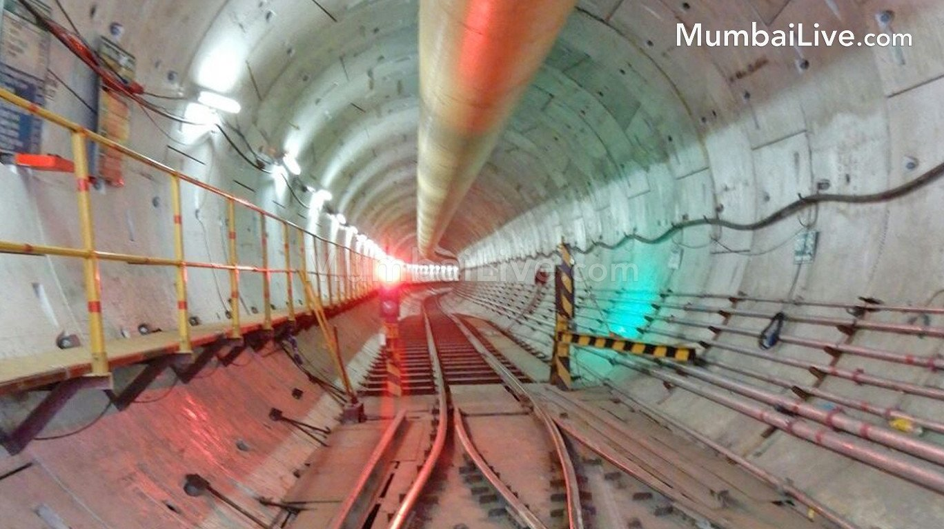 मेट्रो-३ चं २ किमीचं भुयार पूर्ण