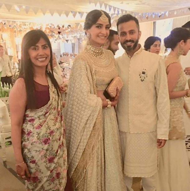 #SonamKiShaadi: Finally Sonam Kapoor becomes Mrs. Anand Ahuja