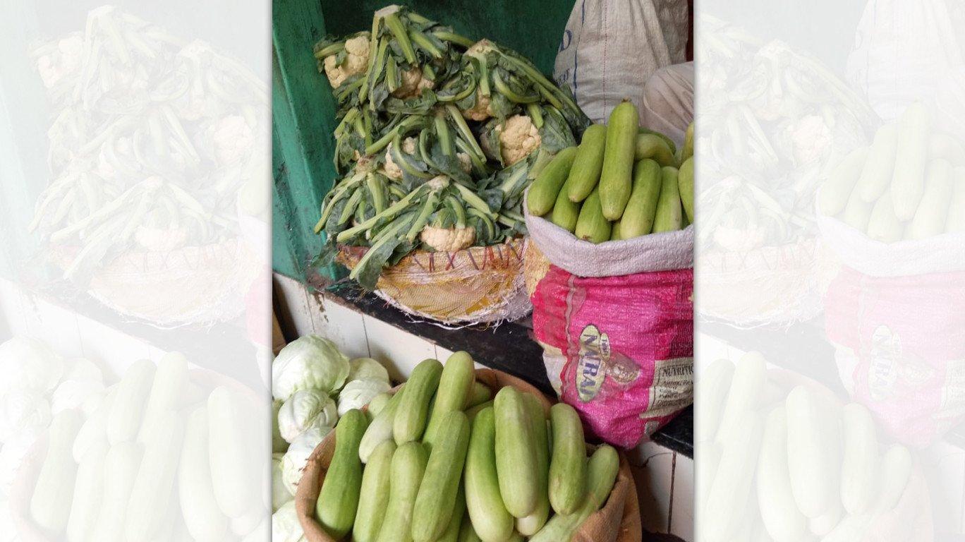 महंगा हुआ तेल, फल और सब्जियां हुई महंगी