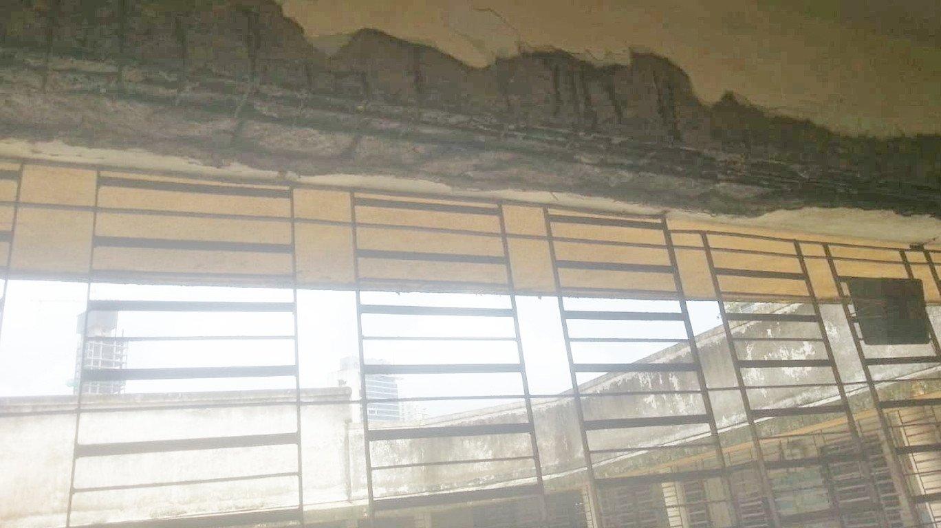 मेट्रो-३ च्या कामामुळं वरळी नाका महापालिका शाळेला तडे