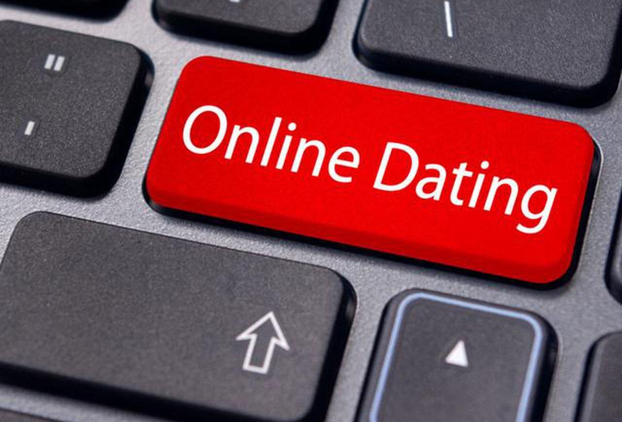ऑनलाईन डेटिंग करताय? मग या ७ गोष्टी लक्षात ठेवा