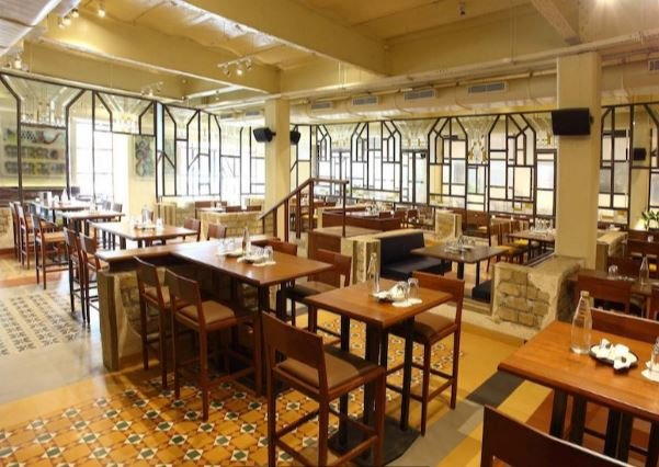 Craving pakoras? Head to this place in Lower Parel for a special monsoon menu
