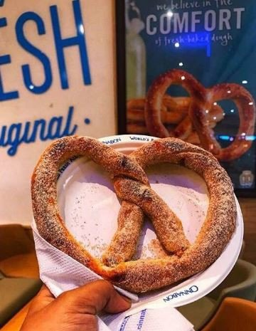 Gorge on freshly baked pretzels at this café in Kurla