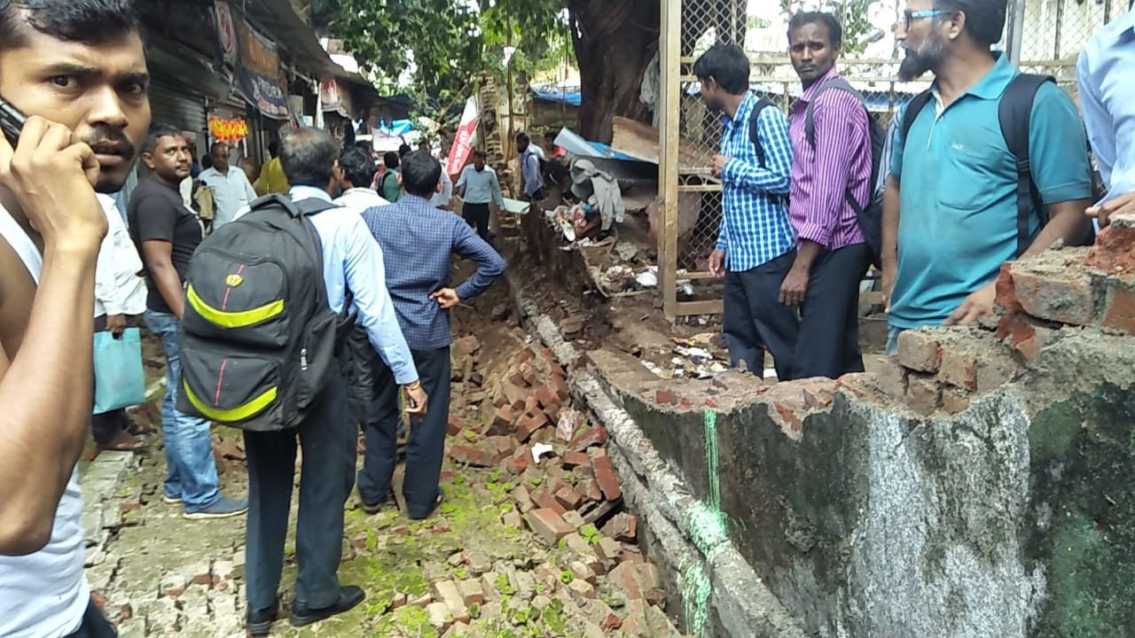 Railway compound wall collapses at Kurla; four injured