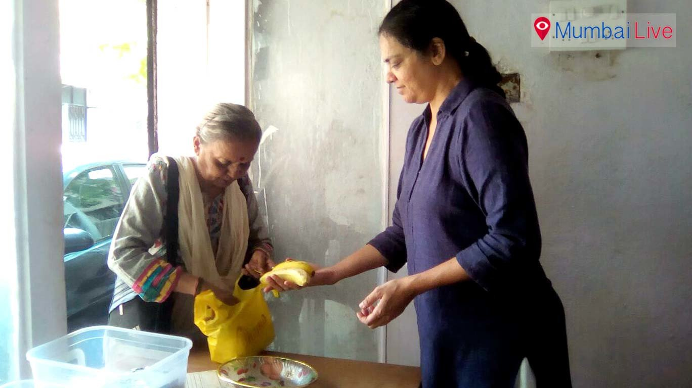 Matunga's this food center serves needy with 10 rs worth food packets