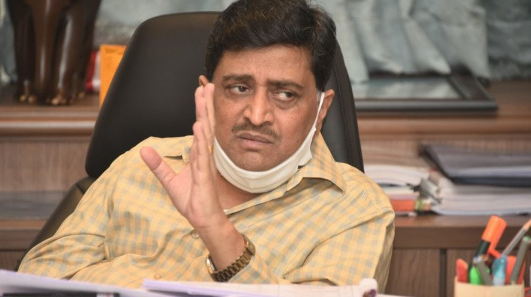 Ashok Chavan reviews Maharashtra National Highway projects; asks officials to expedite the work