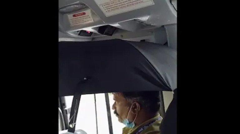 Video : मुसळधार पाऊस थेट बेस्ट बसमध्ये; ड्रायव्हरनं हातात धरली छत्री