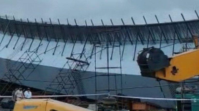 बीकेसी में निर्माणाधीन फ्लाईओवर का हिस्सा गिरा, 14 घायल