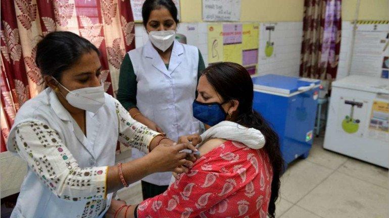 नवी मुंबई के नेरुल अस्पताल में 18 से 44 साल के लोगों के लिए विशेष टीकाकरण  सेंटर