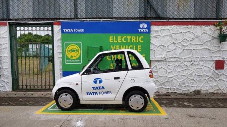 Mumbai Railway stations will soon get EV charging points