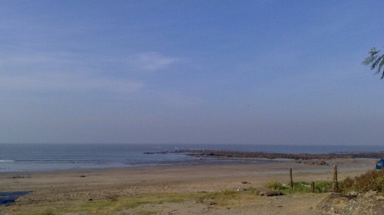 Malad's Erangal beach to soon become a tourist spot; MTDC plans overnight camps and other attractions