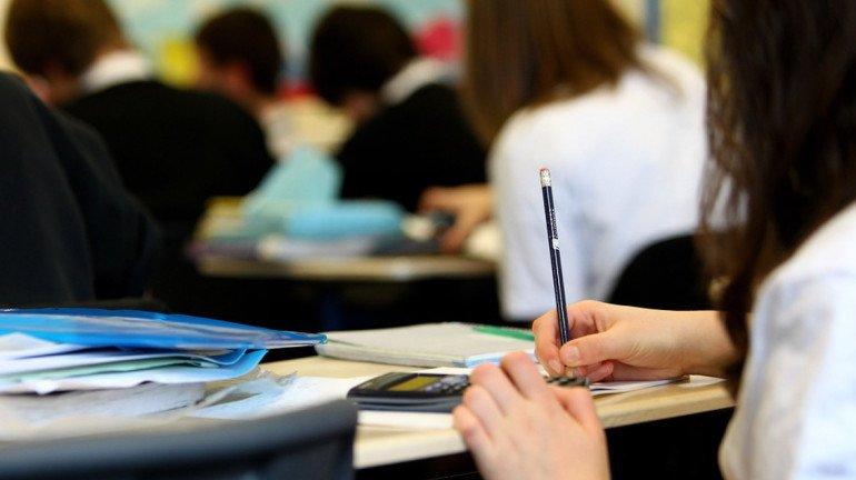 शिक्षकेतर कर्मचाऱ्यांच्या आंदोलनामुळे 'या' ५ विद्यापीठातील परीक्षा पुढे ढकलल्या