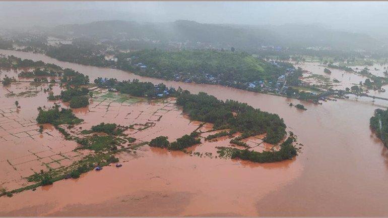 अतिवृष्टीमुळे महाराष्ट्रातील रस्त्यांचं १,८०० कोटींचं नुकसान