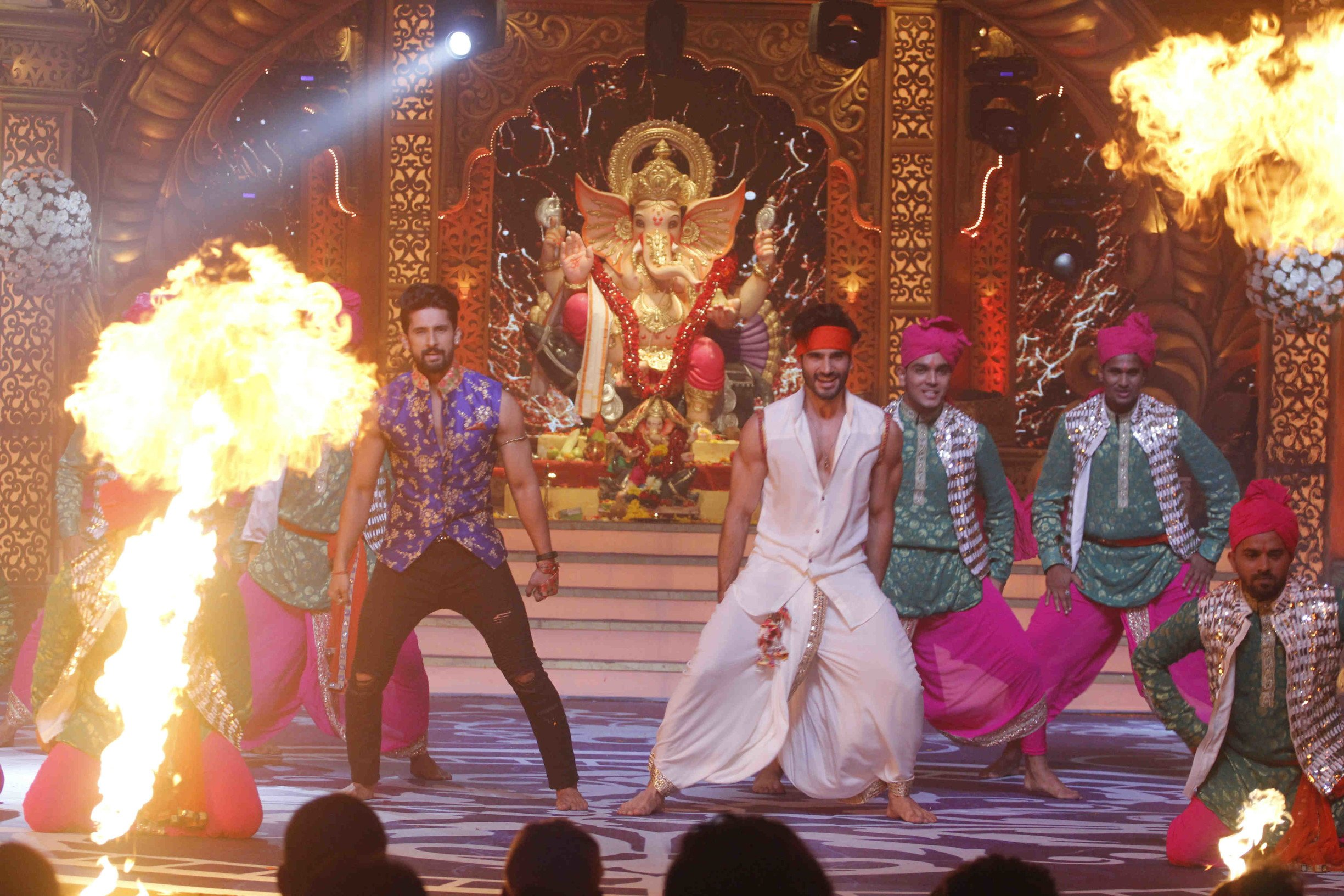 Zee TV's 'Kundali Bhagya' hosts a celebration to welcome Bappa