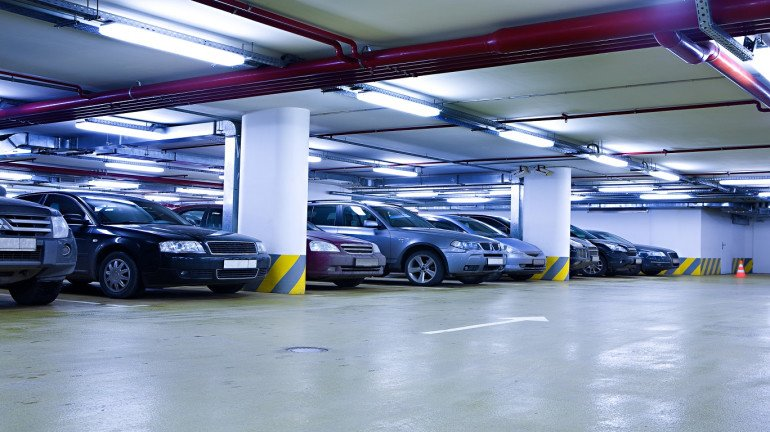 Free Valet Parking Services At Parking Lot In Dadar For Shoppers Amidst The Festive Season