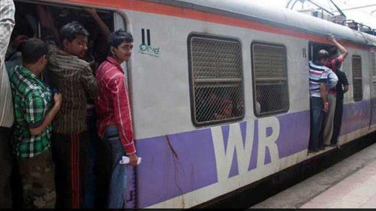 मणिपुरी छात्रा से मुंबई लोकल में छेड़छाड़, किसी ने नहीं की महिला की मदद!