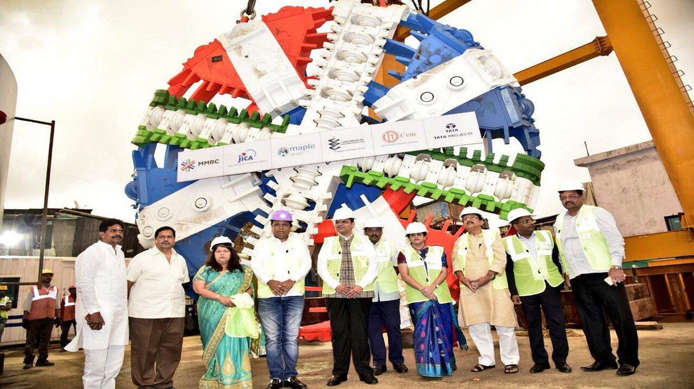 ऐतिहासिक! मेट्रो ३ चं पहिलं 'टीबीएम' मुंबईच्या पोटातून आलं बाहेर!!