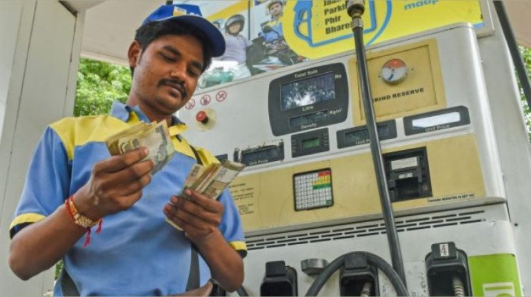 Petrol, diesel prices hiked for second consecutive day; Check today's rate in Mumbai