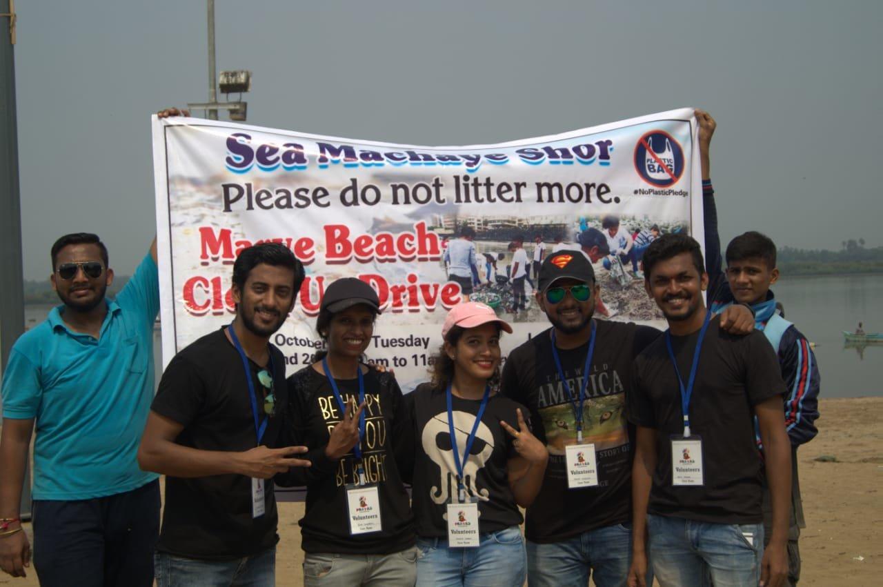 PRAYAS Foundation clears 150 kg of trash from Marve Beach on Gandhi Jayanti