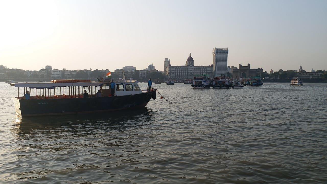 शिवाजी स्मारक कार्य के दौरान समुद्र में बोट हुई दुर्घटनाग्रस्त, एक की मौत