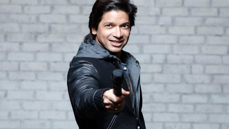 Singer Shaan attacked with paper balls during a concert in Guwahati