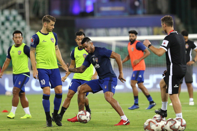 Hero ISL Preview: Mumbai aim for record run as Chennaiyin eye miracle