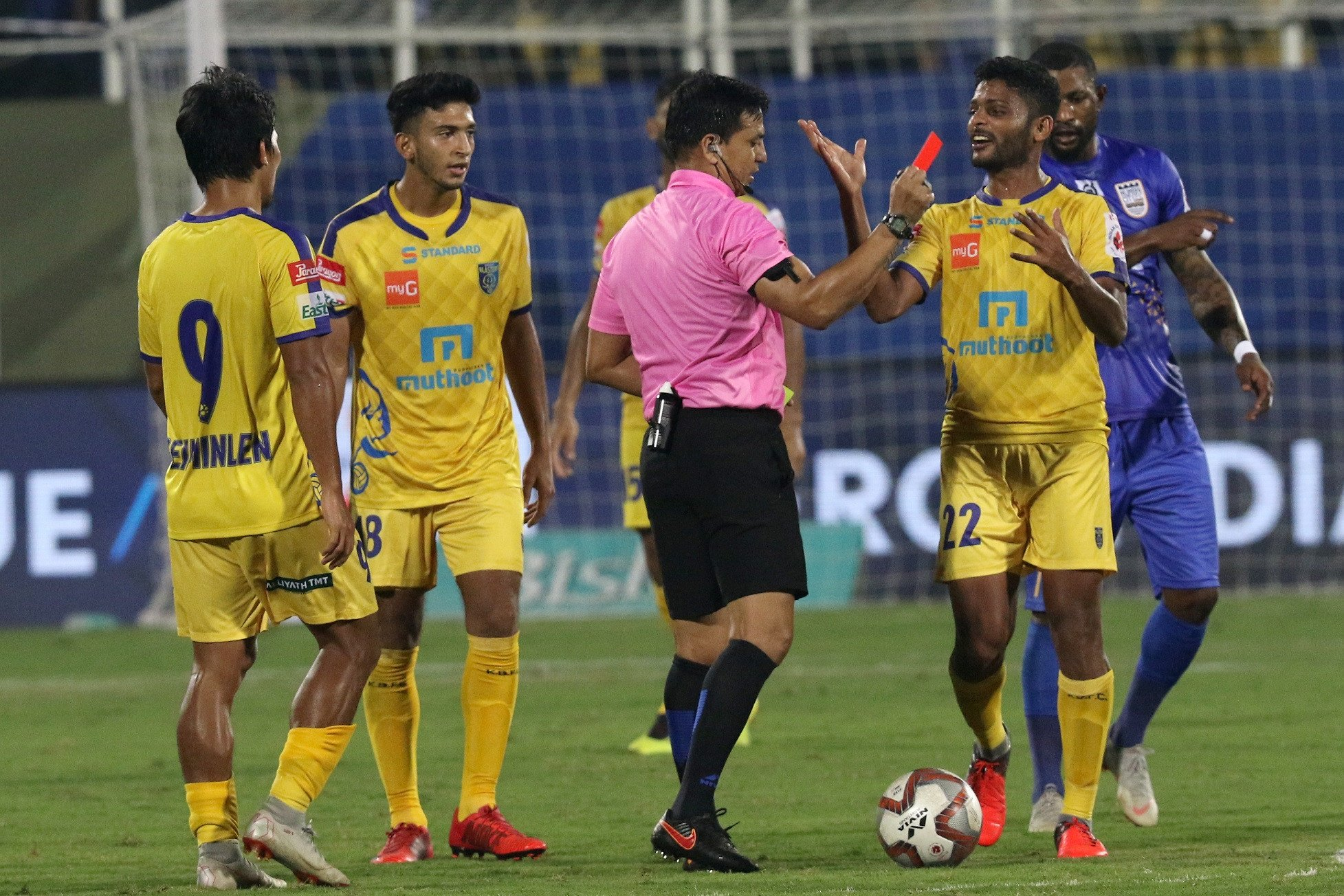 Hero ISL 2018/19: Mumbai City FC hammer six past Kerala Blasters in front of home fans
