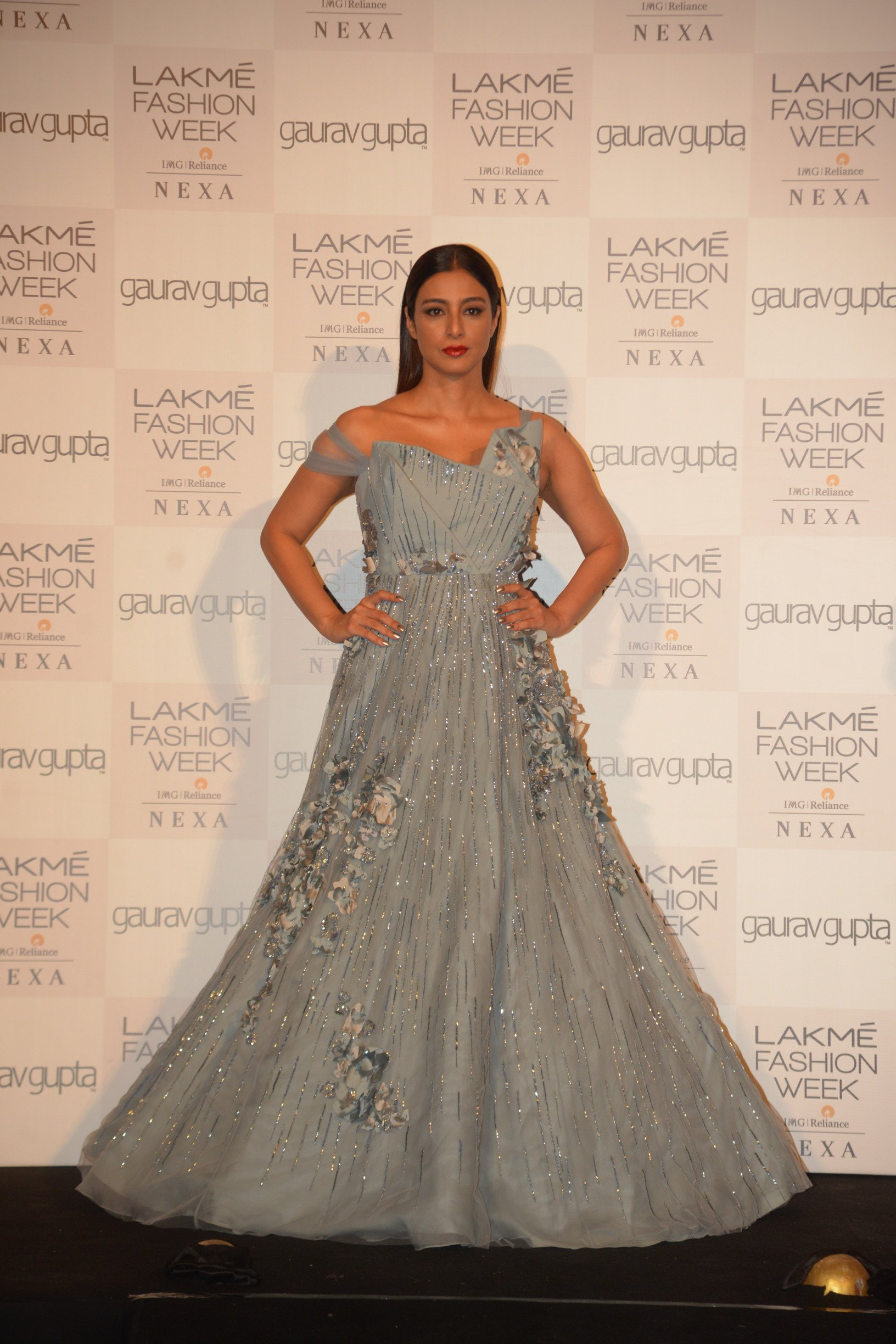 Gaurav Gupta's Opening  Show Was A Fabulous 'Unfolding' For Lakmé Fashion Week 2019 at The Grand Royal Opera House