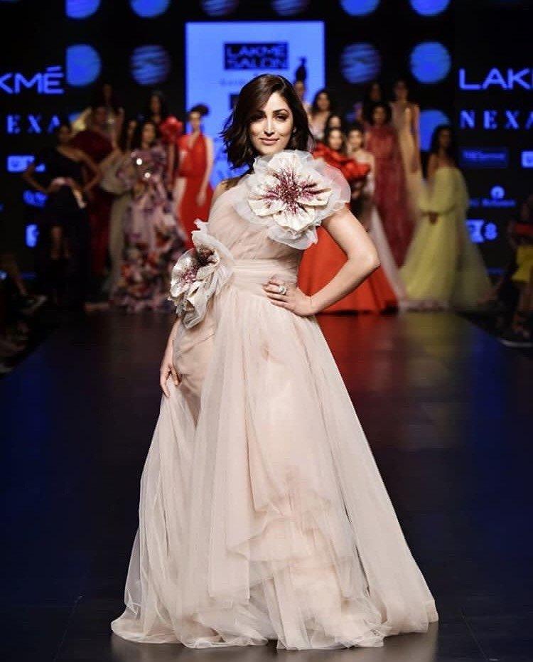 Lakmé Salon and Gauri and Nainika presented 'The Art Of Latte' collection at Lakmé Fashion Week
