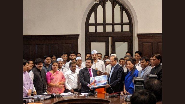 बीएमसी ने पेश किया 30,692 करोड़ का बजट, मुंबईकरो पर कोई नया टैक्स नहीं